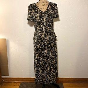 Connected Apparel V-neck dress, size 8